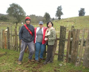 Grizel Gonzalez-Jeuck (center) and members of Instituto Forestal (INFOR) visiting an active INFOR farming operation in Chile.