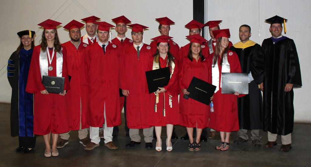 FWCB Graduates and Faculty. Back row from left to right: Dr. Lara Pacifici, Taylor Burke, Shane Crissey, Blake Arnold, A. Grayson Barber, Giovanni Loia, Michael Costa, Dr. Nils Peterson, and Dr. Chris Moorman. Front row from left to right: Lauren Maynard, Ian Hoffman, Charles Hoffman, April Boggs, Morgan Scalici, Alicia Davis