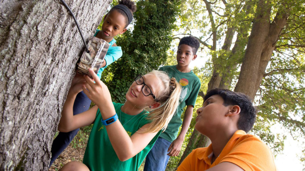 Kids participate in a camera trap citizen science project