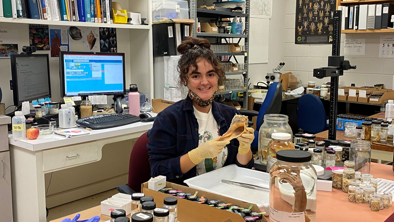 Audrey Keen in lab - Five Questions with Mollusk Technician Audrey Keen - College of Natural Resources News NC State University